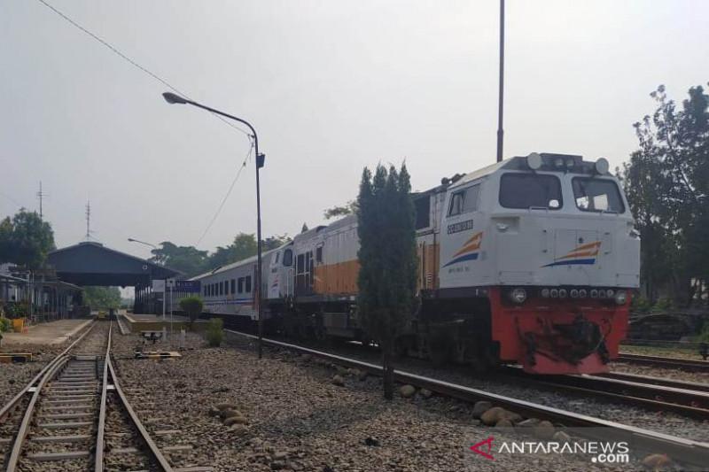 KA Siliwangi jurusan Cipatat-Cianjur-Sukabumi beroperasi