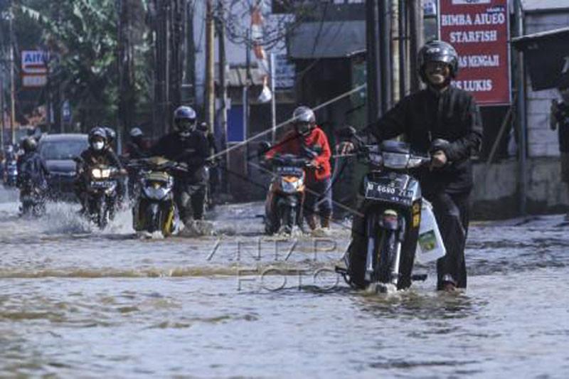 Banjir di Mampang Demok