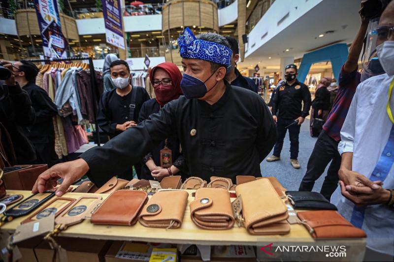 Pemkot Bandung fasilitasi UMKM perluas akses pada Pasar Kreatif 2021