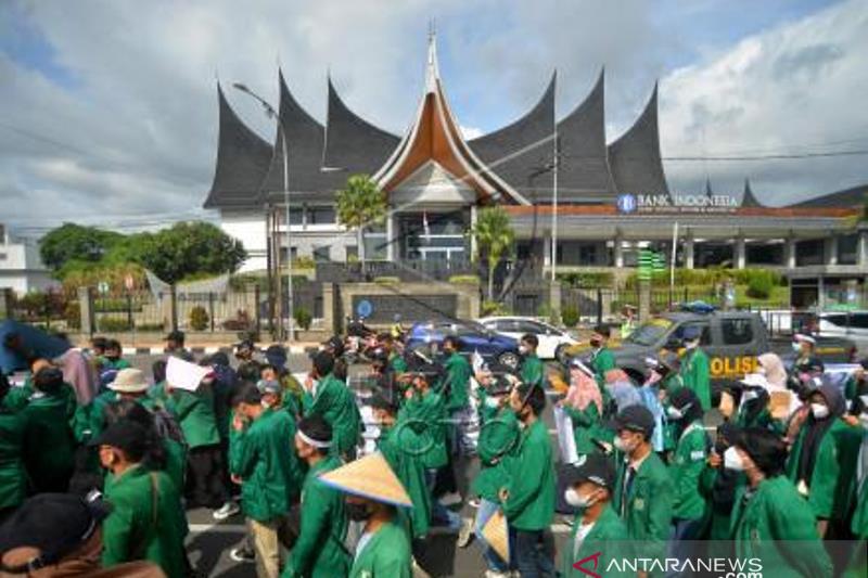 Aksi Hari Tani Nasional Di Padang