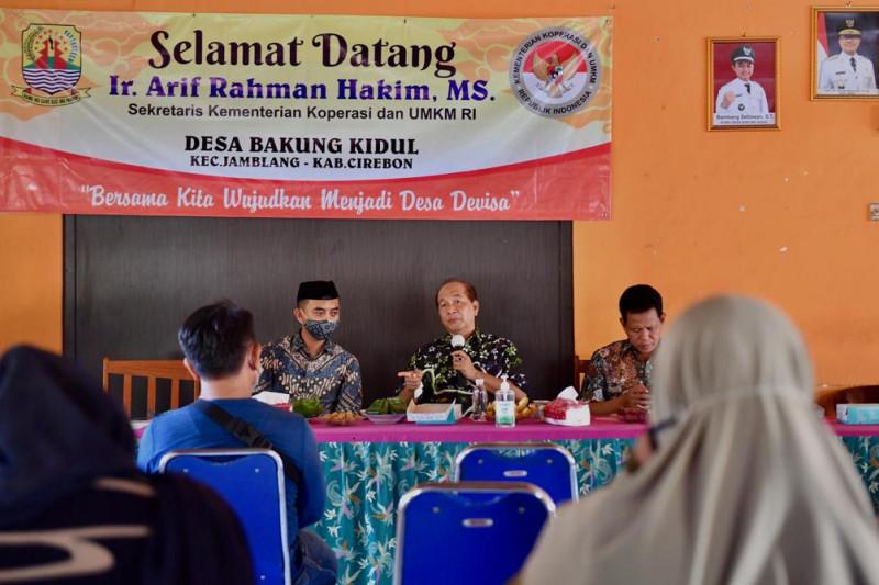 Kemenkop siap bantu perluas pasar produk rotan asal Cirebon
