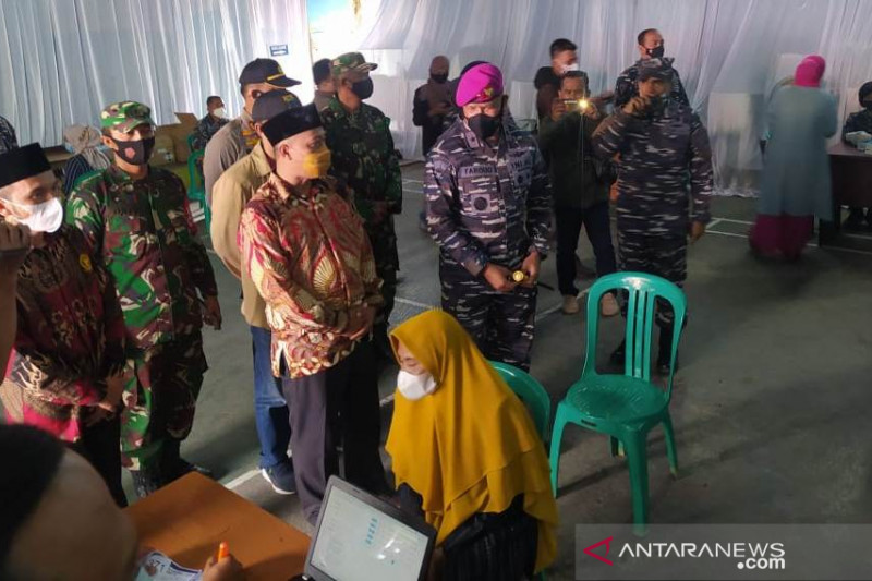 Lantamal III gelar vaksinasi covid di Cianjur untuk  4.000 warga