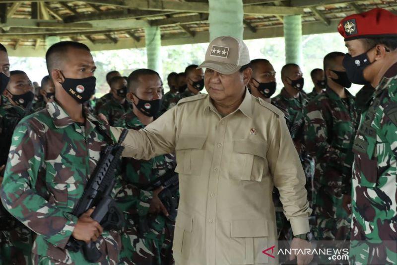 Menhan Prabowo tinjau latihan 2.500 siswa komponen cadangan di Bandung