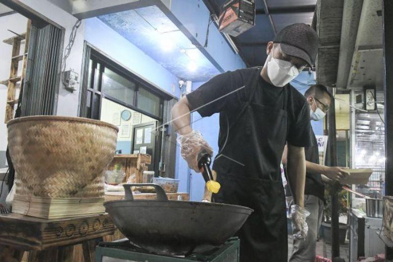 Mantan Penyidik KPK Beralih profesi Jadi Juru Masak Nasi Goreng
