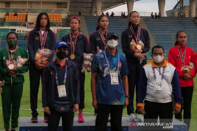 Jabar rebut emas 4x100 estafet putri sekaligus pecahkan rekor PON
