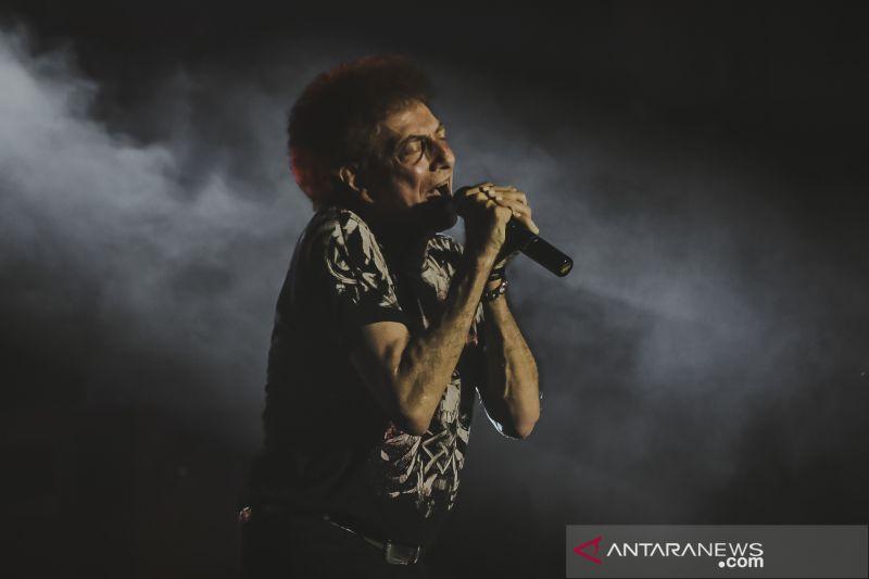 Kelebihan menyaksikan konser virtual menurut Ahmad Albar, apa saja?