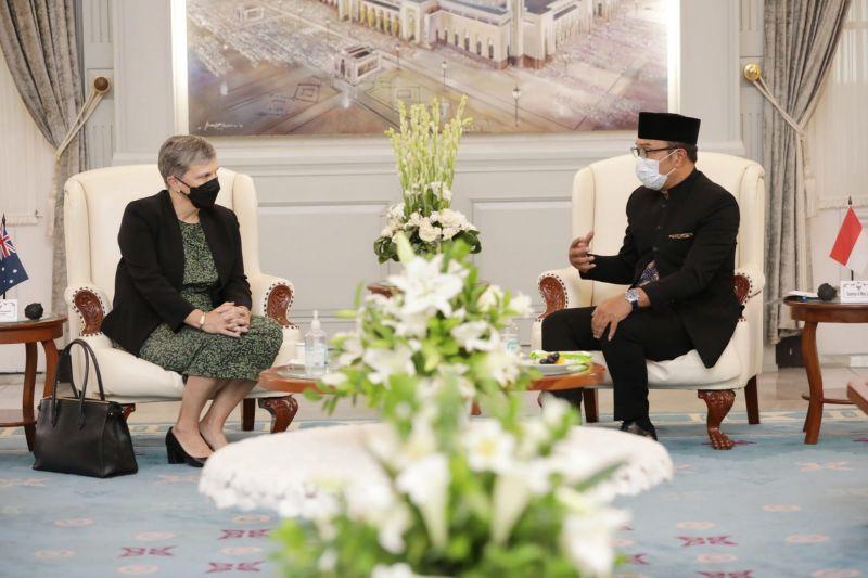 Ridwan Kamil paparkan potensi ekonomi Jawa Barat ke Dubes Australia