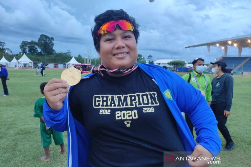Eki Pebri raih emas usai pecahkan rekor nasional tolak peluru putri PON XX