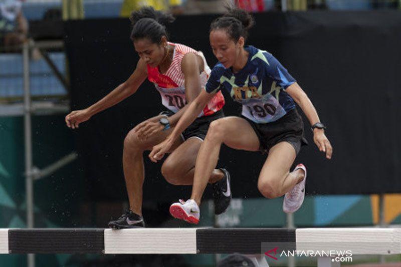 Dian Ekayanti juara lari 3.000 meter halang rintang PON Papua