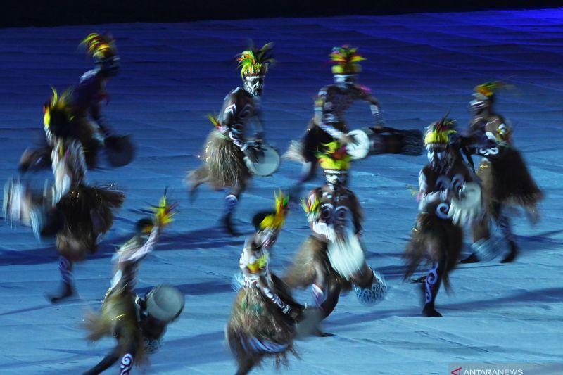 Penonton upacara penutupan PON Papua diajak menari di bangku