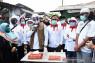 Sandiaga Uno bagikan 700 paket sembako untuk guru honorer