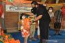 Wabup Tabanan serahkan bantuan sosial kepada Yatim Piatu saat COVID-19