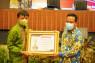 Pemprov Sulsel raih penghargaan TPAKD Award 2020
